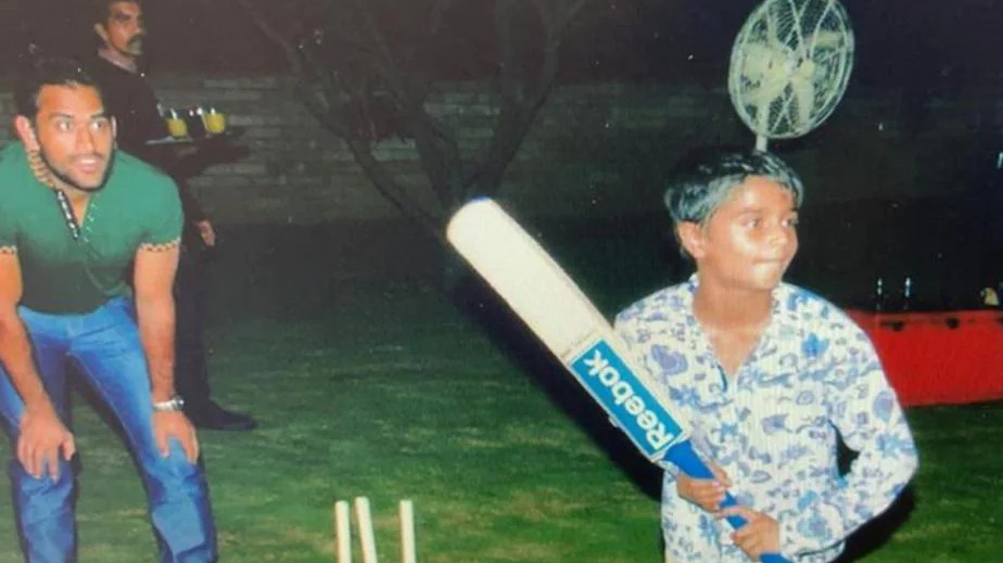 Sakshi Dhoni shares throwback photo of MS Dhoni playing cricket with friends