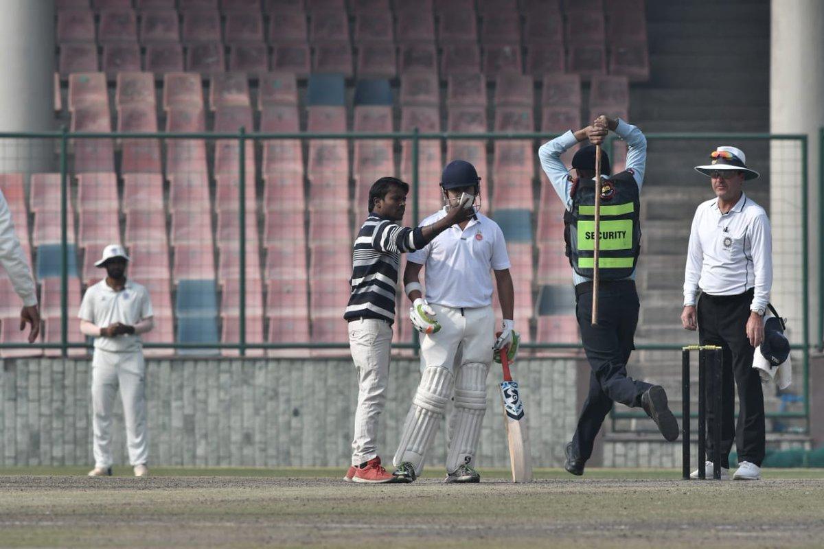 A fan takes a selfie with Gautam Gambhir mid-match   The Hindu, Shiv Kumar Pushpakar