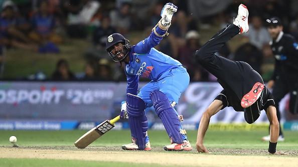 Deep Dasgupta and Aakash Chopra debate Dinesh Karthik's refusal to take a single in final T20I vs New Zealand