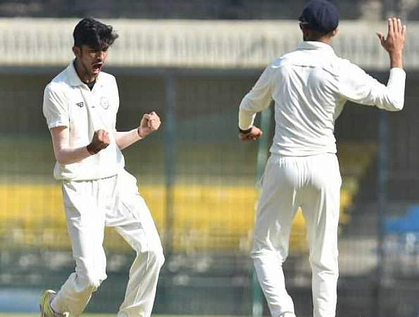 आदित्य ठाकरे चोटिल ईशान पोरेल के प्रतिस्थापन के रूप में भारत की U-19 टीम में हुए शामिल