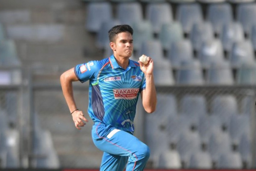 Arjun Tendulkar shined with both bat and ball | Twitter