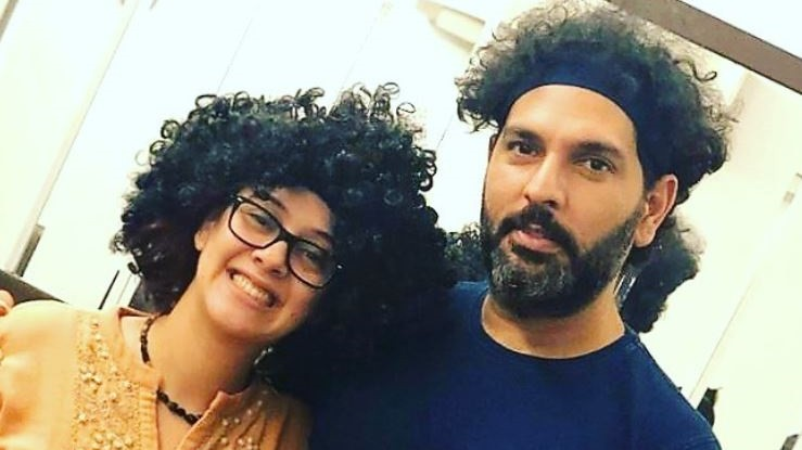 """I love your hair so much"" Hazel Keech teases Yuvraj Singh's hairdo by wearing a similar looking wig"