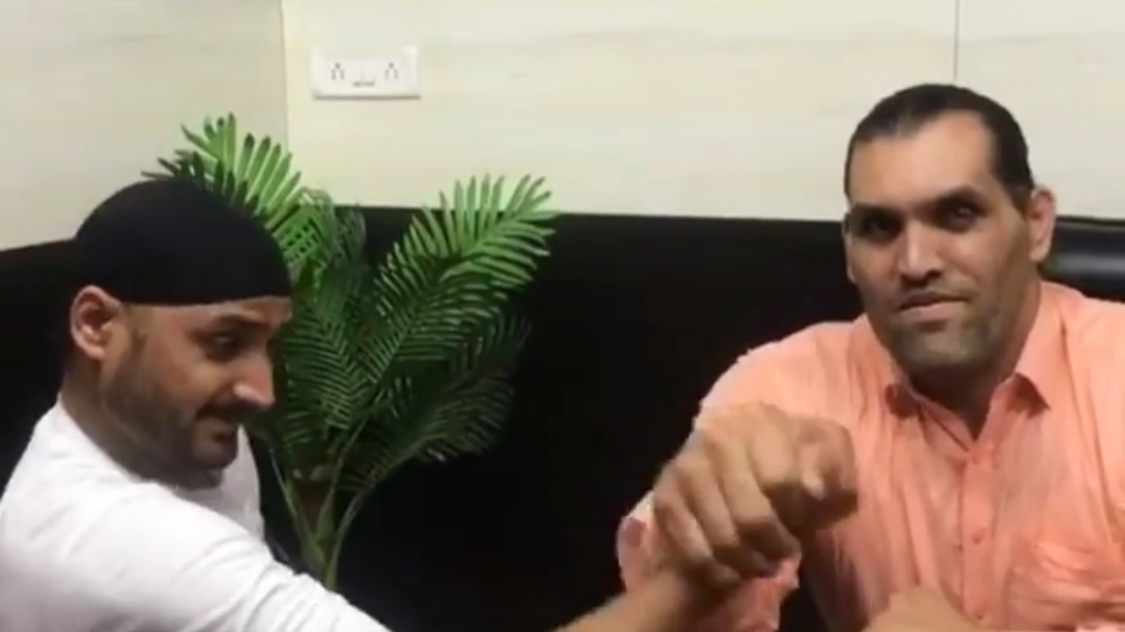 Watch: Harbhajan Singh and The Great Khali involve in arm wrestling