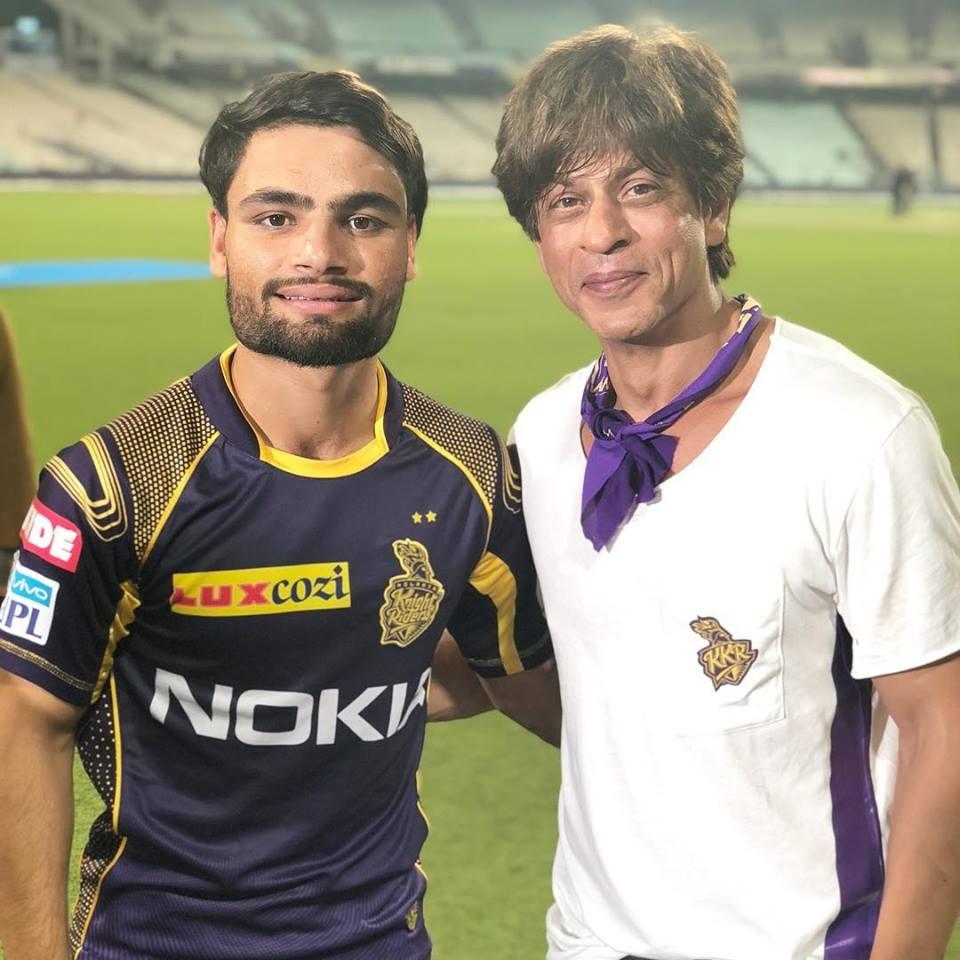रिंकू सिंह अपनी आईपीएल टीम  केकेआर के मालिक शाहरुख़ खान के साथ | Instagram