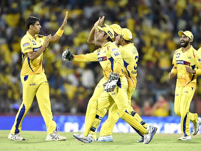 Ashih Nehra and MS Dhoni for CSK in IPL | Mohd-Zakir-HT-Photo
