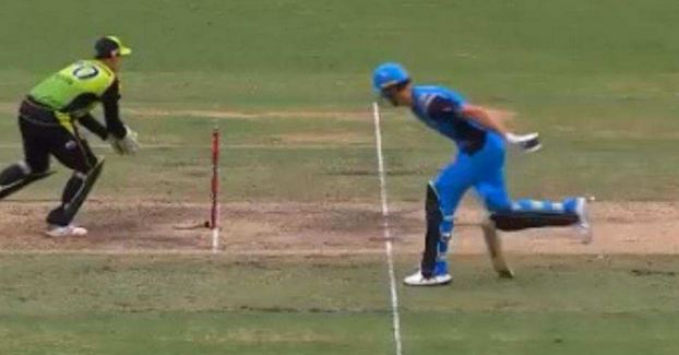 Billy Stanlake's bat got stuck in the ground just before the crease and he was run out