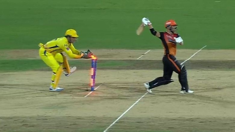 IPL 2019: CSK v SRH - WATCH - David Warner walks off after MS Dhoni completes ultra-quick stumping