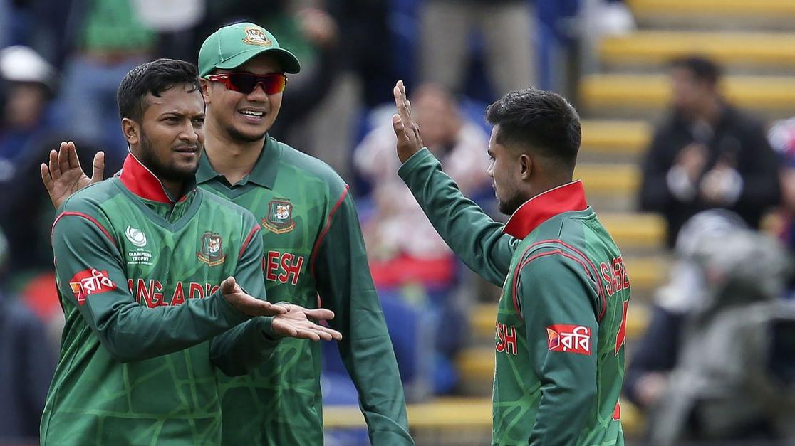 शाकिब अल हसन मैच से पहले अपनी टीम को प्रेरित करने के लिए पहुंचे कोलंबो