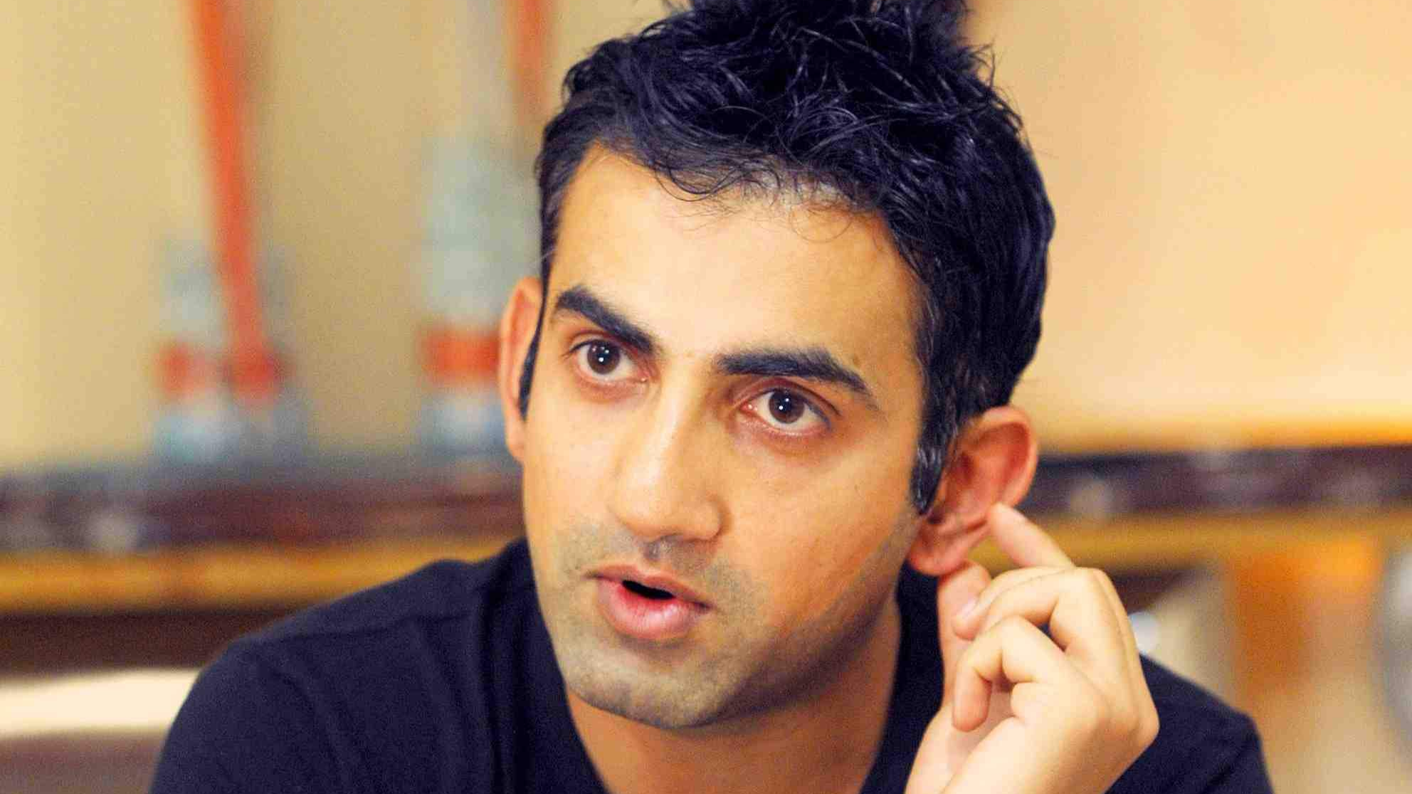 Gautam Gambhir extends helping hand to a five-year-old child