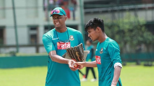CWC 2019: Courtney Walsh in no hurry to rush Mustafizur Rahman back into action