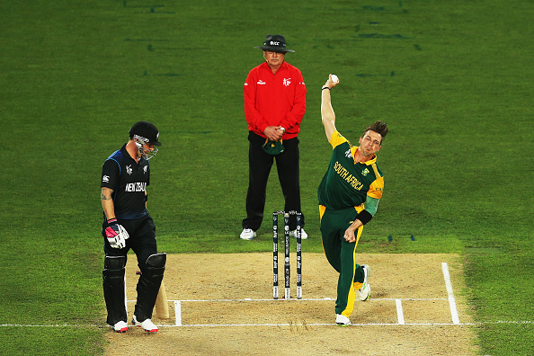 Dale Steyn bowls during the 2015 Cricket World Cup semi final match against New Zealand | Getty