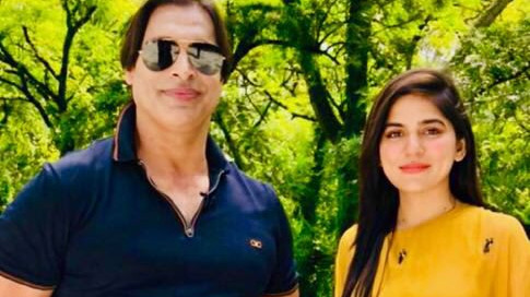 Former Pakistan cricketer Shoaib Akhtar visits Pak occupied Kashmir, gets roasted by the fans on Twitter
