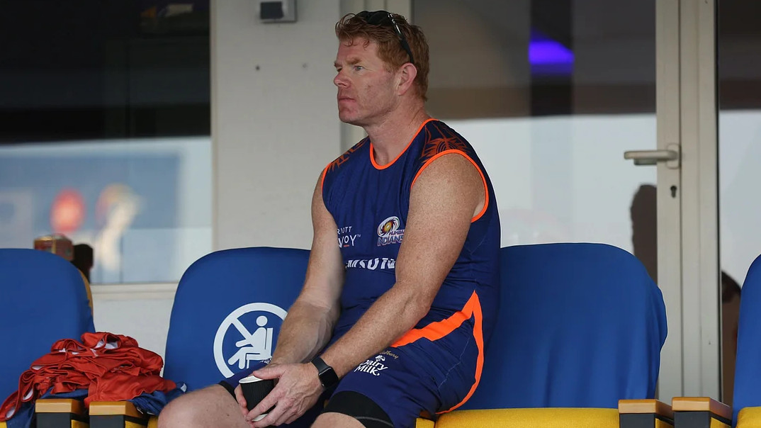 Allowing fans was irresponsible, says MI fielding coach Pamment on IND-ENG Tests in Ahmedabad