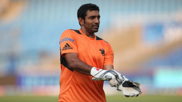 Robin Uthappa becomes mentor of a team in 10PLtennis ball tournament