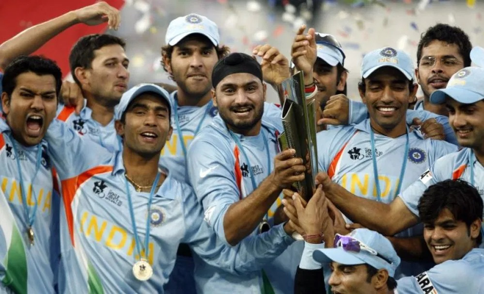 Robin Uthappa and other Indian team members with the 2007 World T20