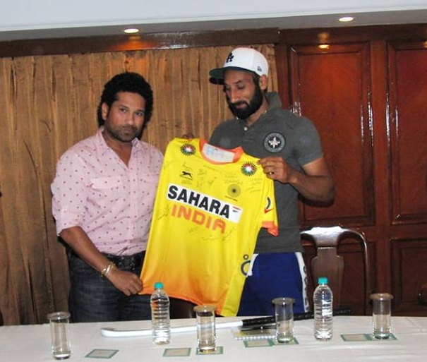 Sachin Tendulkar and Sardar Singh | Hockey India