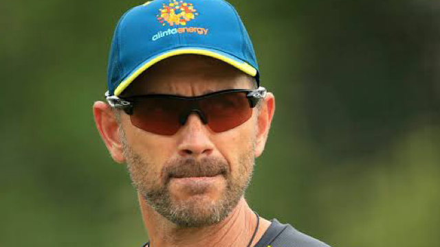 Justin Langer reveals he almost quit cricket during the Ashes series in 2001