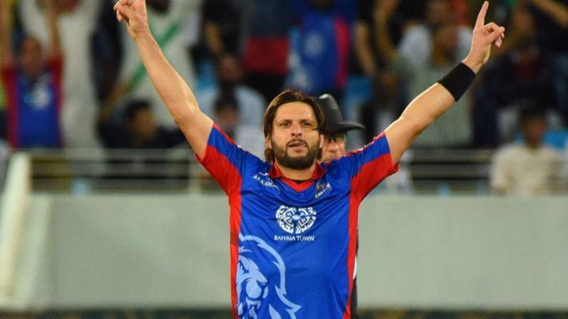 शाहिद अफरीदी अस्थायी रूप से पाकिस्तान सुपर लीग से हुए बाहर