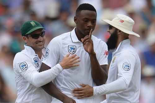 SA v IND 2018: Kagiso Rabada's response to Faf Du Plessis' kiss won the internet