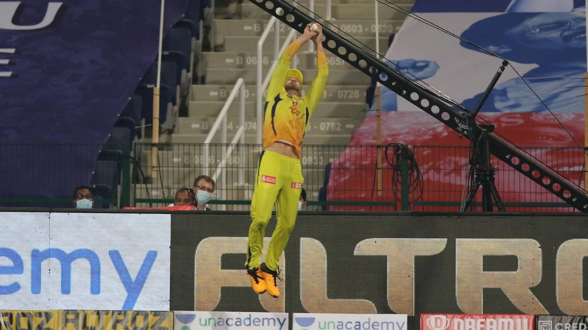 IPL 2020: WATCH- Faf du Plessis takes two amazing catches on boundary; sends back Tiwary and Hardik
