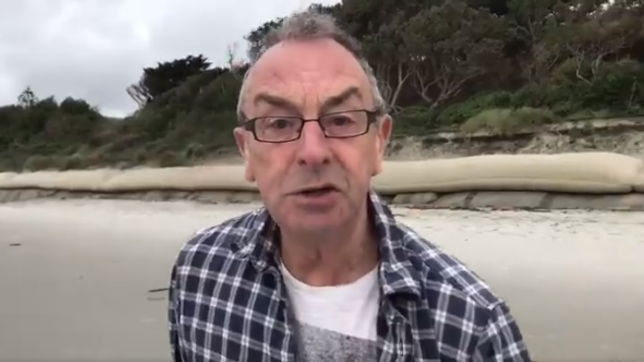Watch: David Lloyd's unique pitch reporting at the Pacific ocean