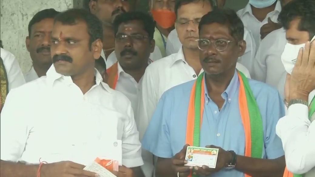 Former India spinner Laxman Sivaramakrishnan joins BJP