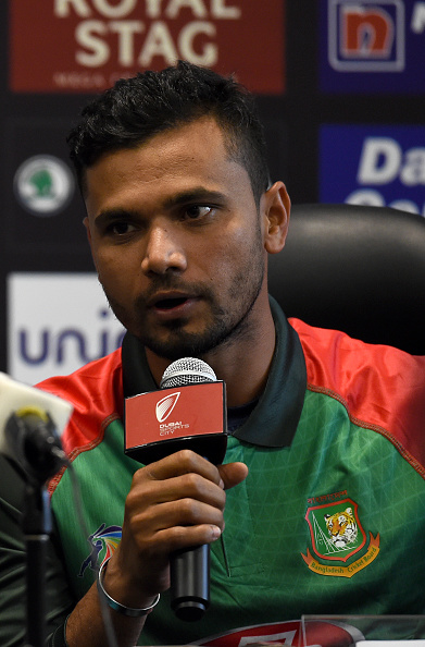 Mashrafe Mortaza addressing the media. (Getty)
