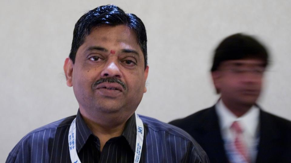 Ratnakar Shetty bats for distribution of IPL passes publicly ,  gets back up