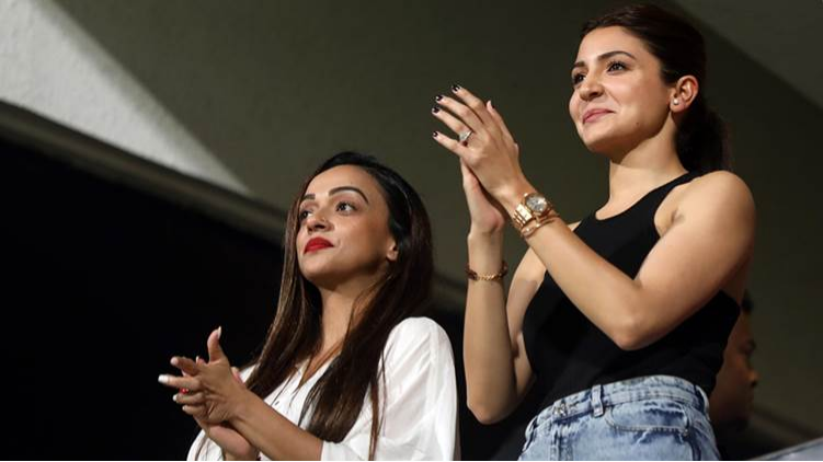 IPL 2018: Anushka Sharma cheers for Virat Kohli during RCB-KXIP encounter in Bengaluru