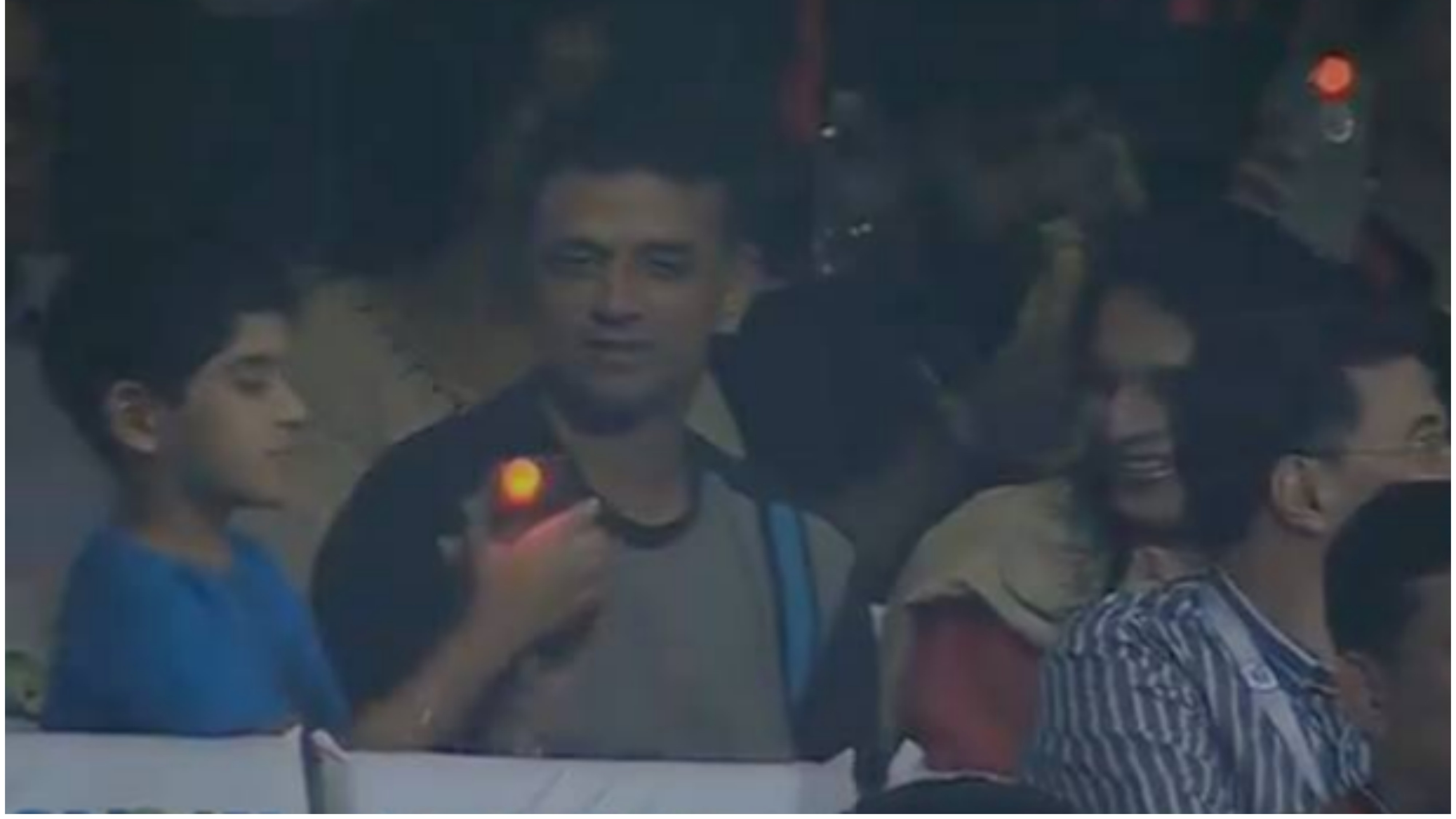 IPL 2018: Watch – Rahul Dravid enjoys the RCB-KKR match from the normal stands