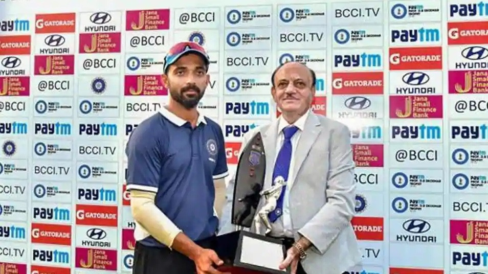 WATCH: Ajinkya Rahane makes heartwarming gesture after winning the Deodhar Trophy