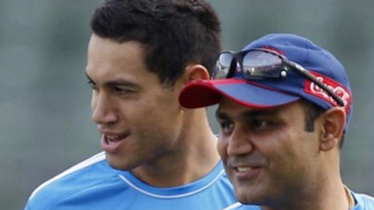 Virender Sehwag congratulates 'Darji' Ross Taylor for his innings against England