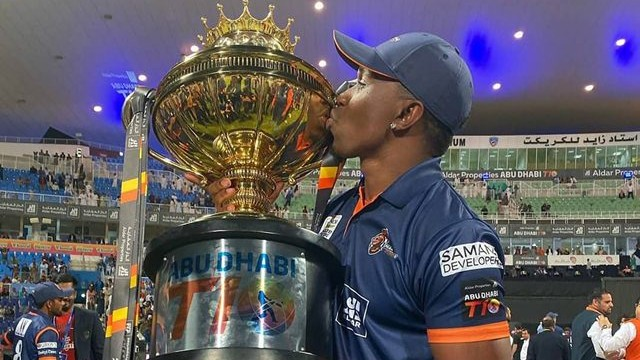 Dwayne Bravo rebukes a fan who tried to make fun of him for not winning a World Cup