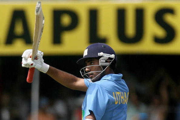 Robin Uthappa acknowledges his fifty on his ODI debut against England in 2006