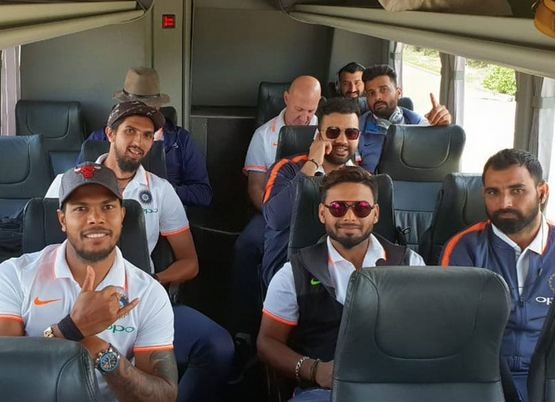 Team India arrives in Adelaide | Ishant Sharma Twitter