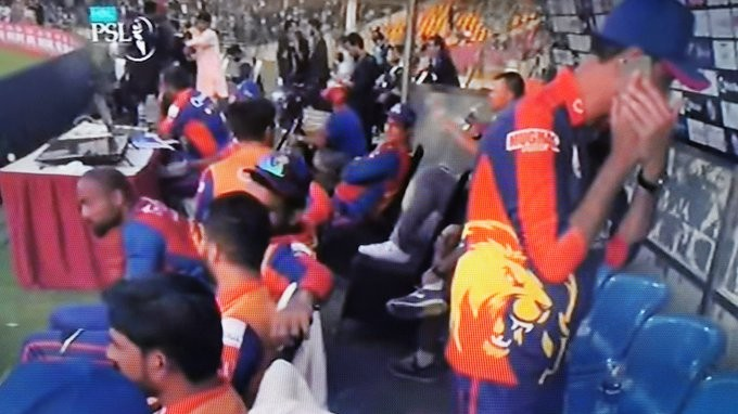 PSL 2020: Karachi Kings member caught using mobile phone in dugout; creates a controversy