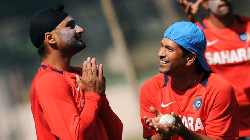 Sachin Tendulkar surprises everyone with his birthday wish for Harbhajan Singh in Tamil
