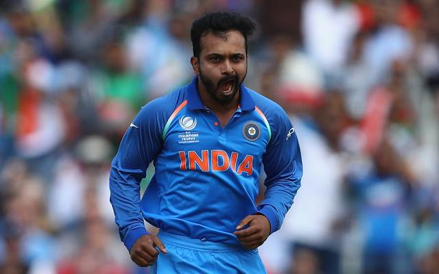 IPL 2018: CSK surprise with Kedar Jadhav buy; SRH buy Yusuf Pathan