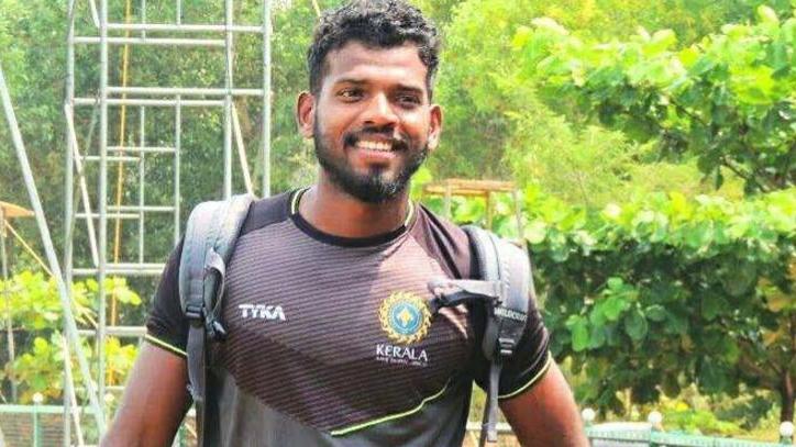 एमडी निधिश का मुंबई इंडियन के साथ आईपीएल में खेलने का सपना हुआ सच
