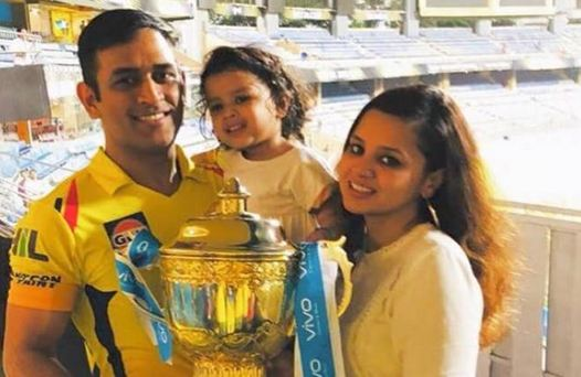 MS Dhoni with Sakshi and Ziva after the IPL 2018 win | Twitter