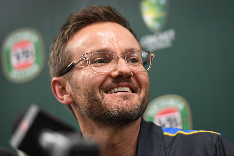 New Zealand coach Mike Hesson joins debate over scrapping T20 Internationals
