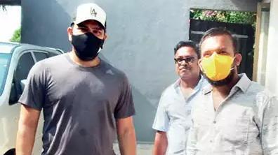 रोहित शर्मा एनसीए से छुट्टी लेकर प्रॉपर्टी देखने अलीबाग पहुंचे
