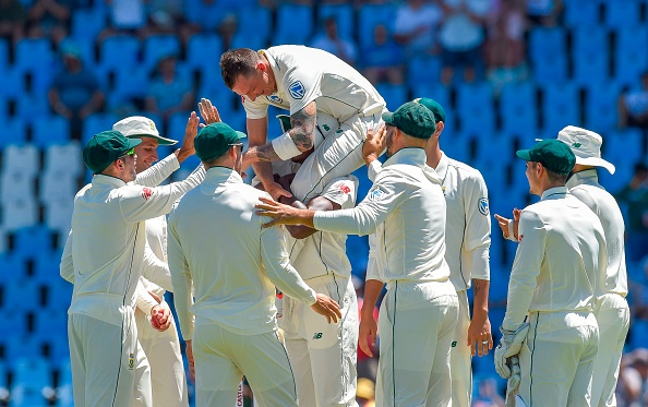 Rabada lifted Steyn on his shoulder after he overtook Pollock's tally of 421 Test wickets | Getty
