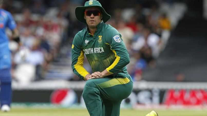 AB de Villiers urges budding cricketers to work hard and stay focussed