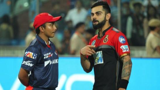 IPL 2018 : पृथ्वी शॉ मैच के बाद आरसीबी के कप्तान विराट कोहली से मुलाकात कर थे खुश