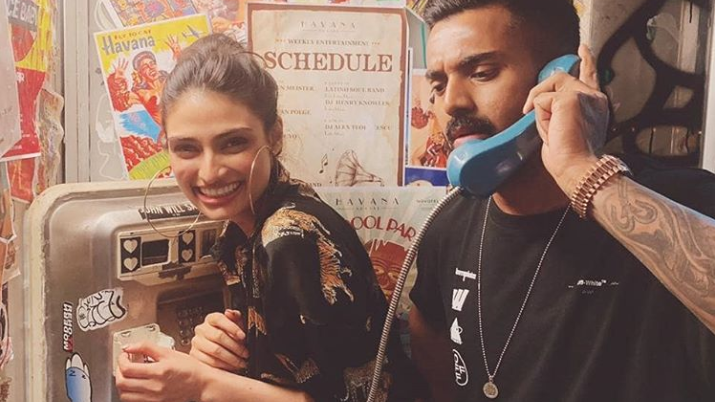 Athiya Shetty reacts to rumored boyfriend KL Rahul's latest click on Instagram