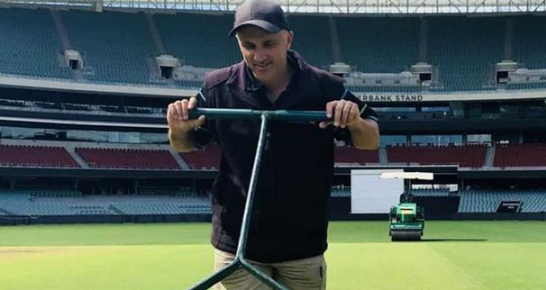 Adelaide Oval curator Damien Hough has promised a green pitch for the 1st Test between India and Australia