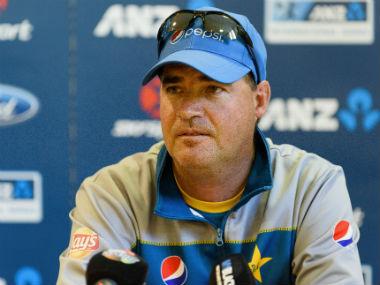 Pakistan bowlers have the potential to curb Virat Kohli's prolific run scoring, reckons Mickey Arthur