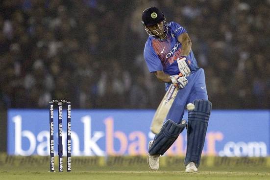 Virender Sehwag feels MS Dhoni isn't ideal to bat low in the order