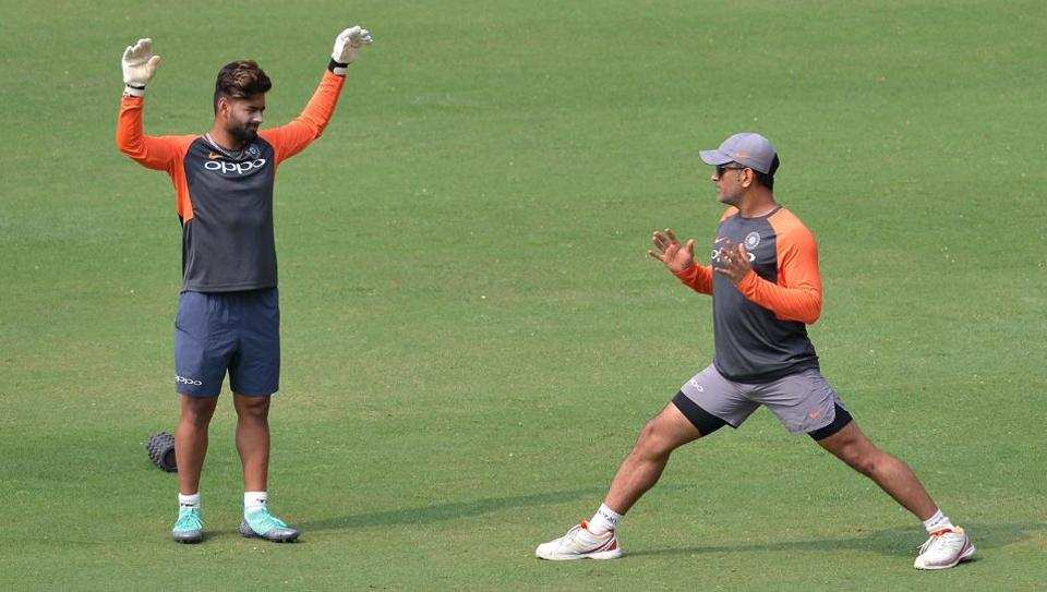 MS Dhoni and Rishabh Pant during net session in Mumbai | AFP